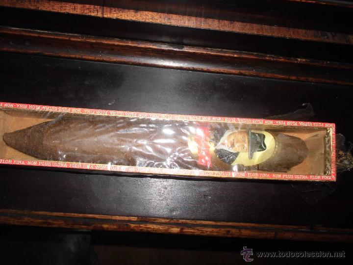 PURO CON CAJA MADERA ANTIGUO CHURCHILL NON PLUS ULTRA FLOR FINA 26 CS VITOLA (Coleccionismo - Objetos para Fumar - Cajas de Puros)