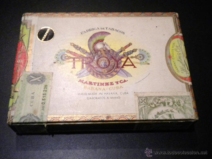 CAJA DE PUROS / FABRICA DE TABACOS MARTINEZ Y CA. / HABANA CUBA / 25 UNIVERSALES (Coleccionismo - Cajas de Puros)