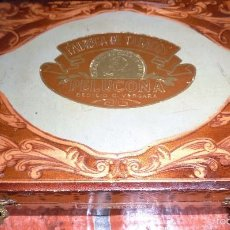 Cajas de Puros: ANTIGUA PRECIOSA CAJA PUROS FABRICA TABACOS PELUCONA CECILIO VERGARA . MADERA REPUJADA ETIQUETA. Lote 58518566