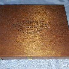 Cajas de Puros: CAJA DE PUROS VACIA LA FAMA. Lote 64175555
