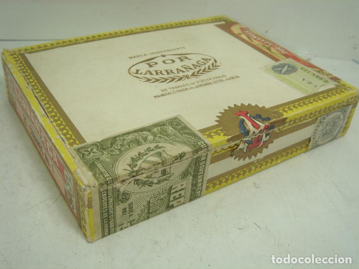 Cajas de Puros: ANTIGUA CAJA DE PUROS MADERA -POR LARRAÑAGA MARCA INDEPENDIENTE- 25 CUBANOS N.I-VUELTA ABAJO TABACO - Foto 2 - 99464883