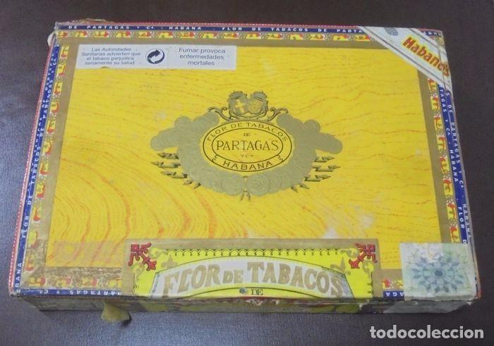 CAJA DE PUROS. PARTAGAS Y CIA. 25 PARTAGAS LONDRES EXTRA. AÑO 1995. ABIERTA. VER FOTOS (Coleccionismo - Objetos para Fumar - Cajas de Puros)