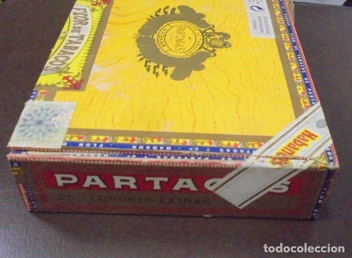 Cajas de Puros: CAJA DE PUROS. Partagas y Cia. 25 Partagas Londres extra. Año 1995. Abierta. Ver fotos - Foto 3 - 142762876