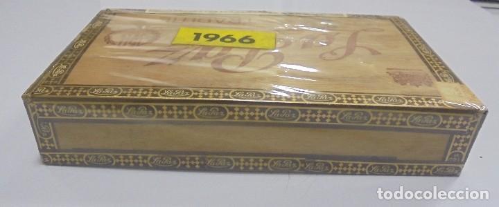 Cajas de Puros: CAJA DE PUROS. LA PAZ. CERRADA. 25 PUROS. AÑO 1966. VER. PERFECTO ESTADO - Foto 6 - 105253123