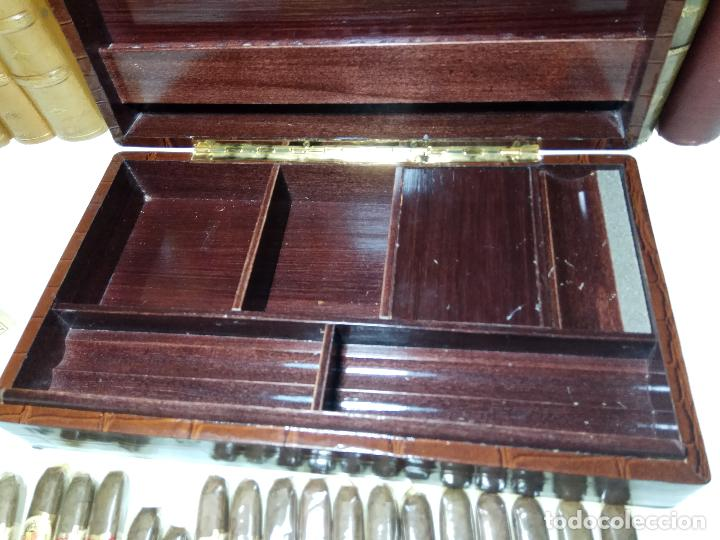 Cajas de Puros: GRAN LOTE COMPUESTO POR DOS CAJAS DE PUROS ALVARO CERRADOS, 25 SALUDOS + 25 DON ALVAROS Y MUCHO MAS - Foto 9 - 109895443