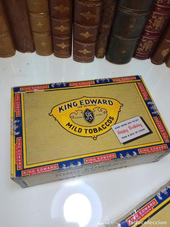 Cajas de Puros: INTERESANTE LOTE COMPUESTO POR DOS CAJAS DE PUROS KING EDWARD - 50 PUROS NUEVA PRECINTADA,OTRA VACIA - Foto 3 - 109899067
