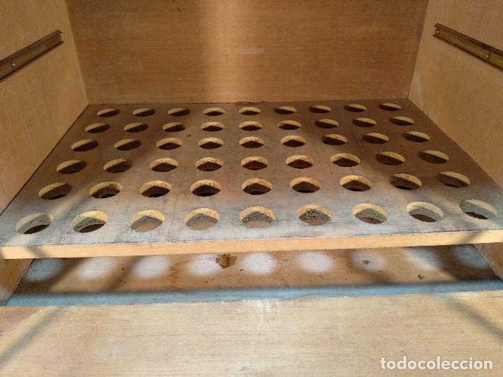 Cajas de Puros: GRAN MUEBLE O CAJA DE PUROS HABANOS - CON LLAVE - FUNCIONANDO - MADERA NOBLE - - Foto 4 - 115772835