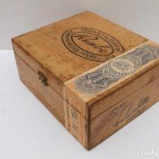 Cajas de Puros: ANTIGUA CAJA DE PUROS MADERA - RUMBO - COMPAÑIA INDUSTRIAL EXPENDEDORA - 50 RUMBITOS -. Lote 117948039