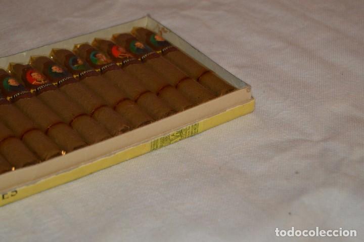 Cajas de Puros: VINTAGE - CAJA DE PUROS - PERSONAJES EL GRECO - ABIERTA - CON 23 PUROS - DE COLECCIÓN - ENVÍO 24H - Foto 9 - 126905751