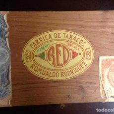 Cajas de Puros: CAJA DE PUROS ROMUALDO RODRIGUEZ - 25 PETIT CETROS - VACIA. Lote 129022883
