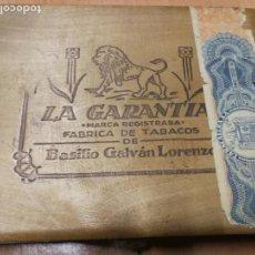 Cajas de Puros: ANTIGUA CAJA DE PUROS PPIOS XX - LA GARANTIA- BASILIO GALVAN LORENZO - LA PALMA -TABACO. Lote 130920180