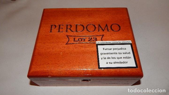 CAJA VACÍA DE PUROS PERDOMO LOTE 23 (Coleccionismo - Objetos para Fumar - Cajas de Puros)