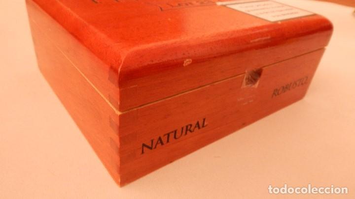 Cajas de Puros: Caja vacía de puros Perdomo lote 23 - Foto 5 - 132712638