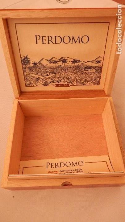 Cajas de Puros: Caja vacía de puros Perdomo lote 23 - Foto 6 - 132712638