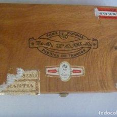 Cajas de Puros: CAJA DE PUROS DE MADERA , MARCA LA FAMA , CORONAS . . Lote 134139070