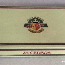 Cajas de Puros: CAJA DE PUROS EN CARTON. 25 CEDROS ALVARO. ISLAS CANARIAS. (VACÍA). Lote 135039610