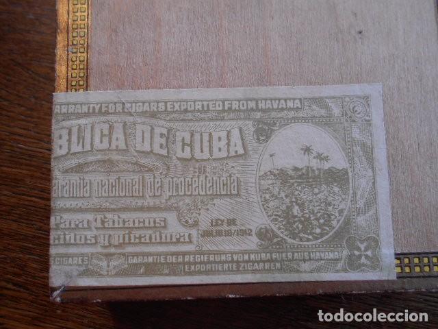 Cajas de Puros: CAJA DE PUROS VACIA, MONTECRISTO Nº 4 , HABANA CUBA - Foto 2 - 142529414