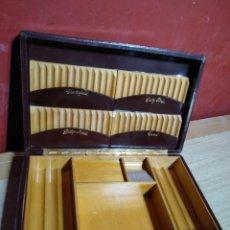 Cajas de Puros: CAJA TABACO PUROS CIGARRILLOS MADERA CEDRO Y PIEL CAMEL, CHESTERFIELD, LUCKY STRIKE,PHILIP MORRIS. Lote 142627026