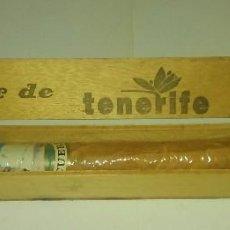 Cajas de Puros: PURO GRANDE EN SU CAJA, VITOLA DEL TEIDE, TENERIFE. Lote 143231358