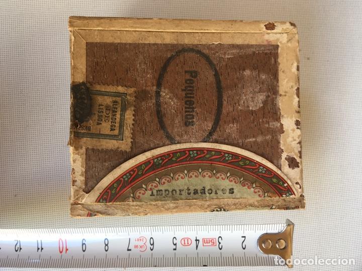 PEQUEÑA CAJA DE CIGARRILLOS (Coleccionismo - Objetos para Fumar - Cajas de Puros)