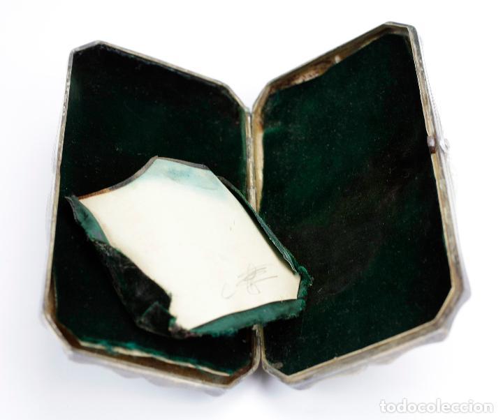 Cajas de Puros: Purera de plata repujada, siglo XIX. 14x8cm - Foto 3 - 145318674