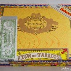 Cajas de Puros: CAJA DE PUROS PARTAGAS CON 5 PUROS. FLOR DE TABACOS. Lote 150949818