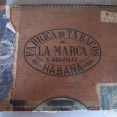 Cajas de Puros: ANTIGUA CAJA DE PUROS HABANOS TABACOS LA MARCA V. GONZÁLEZ CON SELLOS. Lote 154521814