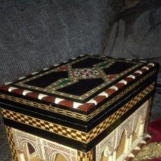 Cajas de Puros: CAJA DE TARACEA,CON PATIO DE LOS LEONES.GRANADA. Lote 154989098