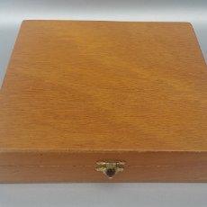 Cajas de Puros: CAJA DE PUROS VACIA COHIBA 280X280MM. Lote 155018744
