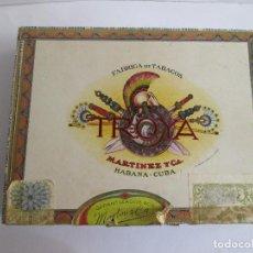 Cajas de Puros: CAJA PUROS VACIA - MARTINEZ Y CIA - HABANA CUBA - TROYA - 25 UNIVERSALES - 20X15X4. Lote 158906918