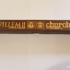 Cajas de Puros: ANTIGUA CAJA WILLEM II CHURCHILL, MADE IN HOLLAND, CON SU PURO, TAL CUAL SE VE.. Lote 159646570