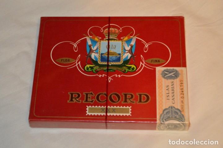 Cajas de Puros: De colección - PRECINTADA - ANTIGUA - VINTAGE - CAJA DE 10 PUROS RECORD XXX - CANARIAS - ENVÍO 24H - Foto 2 - 160883362