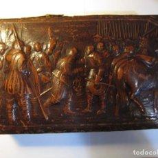 Cajas de Puros: CAJA DE PUROS CON RELIEVE VINTAGE. Lote 161816914