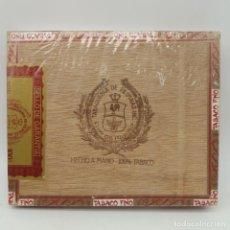Cajas de Puros: CAJA PRECINTADA DE 25 LONDRES GRANDES FLOR DE MANILA, TABAQUERÍA DE FILIPINAS, AÑOS 70, HECHO A MANO. Lote 164291066