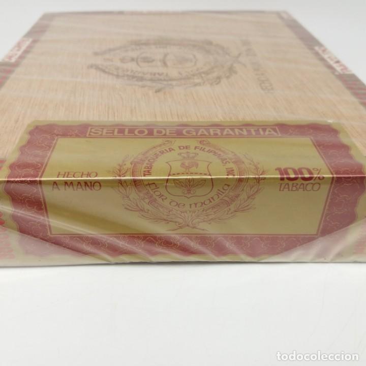 Cajas de Puros: Caja PRECINTADA de 25 Londres Grandes FLOR DE MANILA, Tabaquería de Filipinas, años 70, hecho a mano - Foto 2 - 164291066