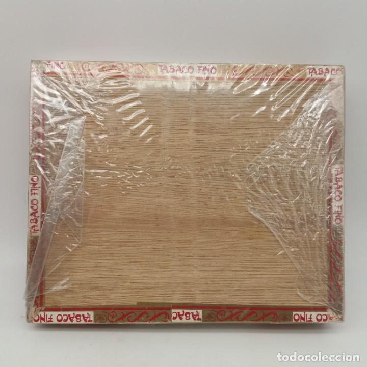 Cajas de Puros: Caja PRECINTADA de 25 Londres Grandes FLOR DE MANILA, Tabaquería de Filipinas, años 70, hecho a mano - Foto 3 - 164291066