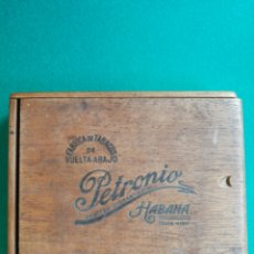 Cajas de Puros: CAJA DE PUROS HABANOS PETRONIO. Lote 168083768