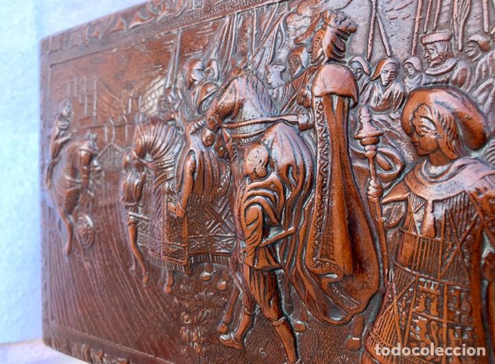 """Cajas de Puros: CAJA TABAQUERA PARA CIGARROS Y PUROS. CUERO REPUJADO, MOTIVO: """"TOMA DE GRANADA"""". - Foto 4 - 170097504"""
