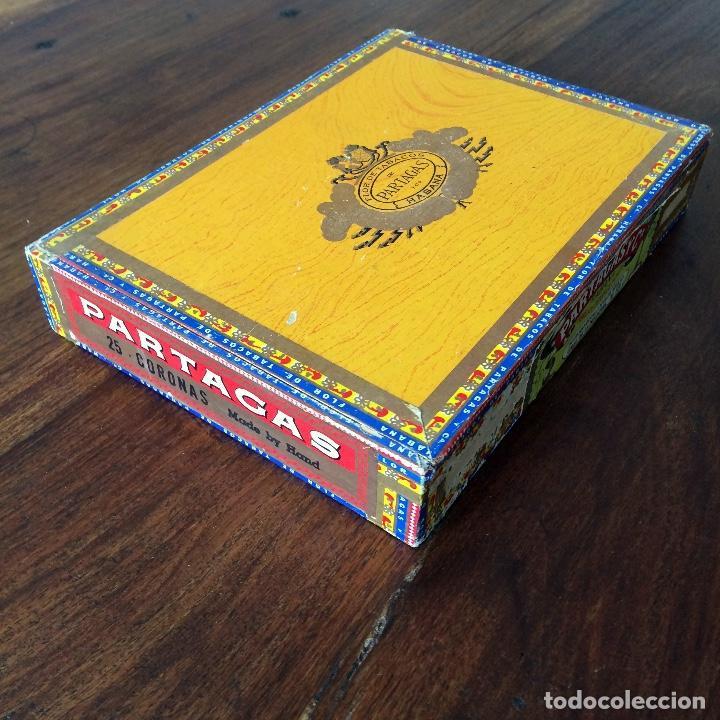 Cajas de Puros: CAJA DE PUROS VACÍA - PARTAGAS 25 CORONAS- HECHO EN CUBA HAVANA - Foto 3 - 171775333