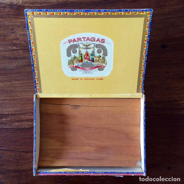 Cajas de Puros: CAJA DE PUROS VACÍA - PARTAGAS 25 CORONAS- HECHO EN CUBA HAVANA - Foto 4 - 171775333
