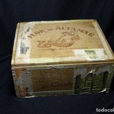 Cajas de Puros: RARA Y ANTIGUA CAJA DE PUROS HABANOS.FLOR DE ALTAMAR.50 CAZADORES.CANARIAS. Lote 172371553