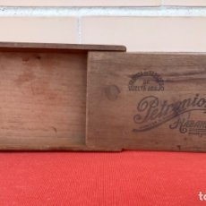 Cajas de Puros: CAJA DE PUROS PETRONIO MADERA FABRICA DETABACO DE VUELTA ABAJO LEY DE JULIO 16/1912. Lote 172423132