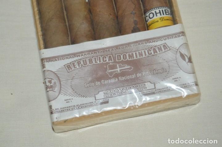 Cajas de Puros: PRECINTADA / SEALED - CAJA DE 5 PUROS COHIBA HECHOS A MANO EN REPÚBLICA DOMINICANA - ANTIGUOS - Foto 2 - 172573528