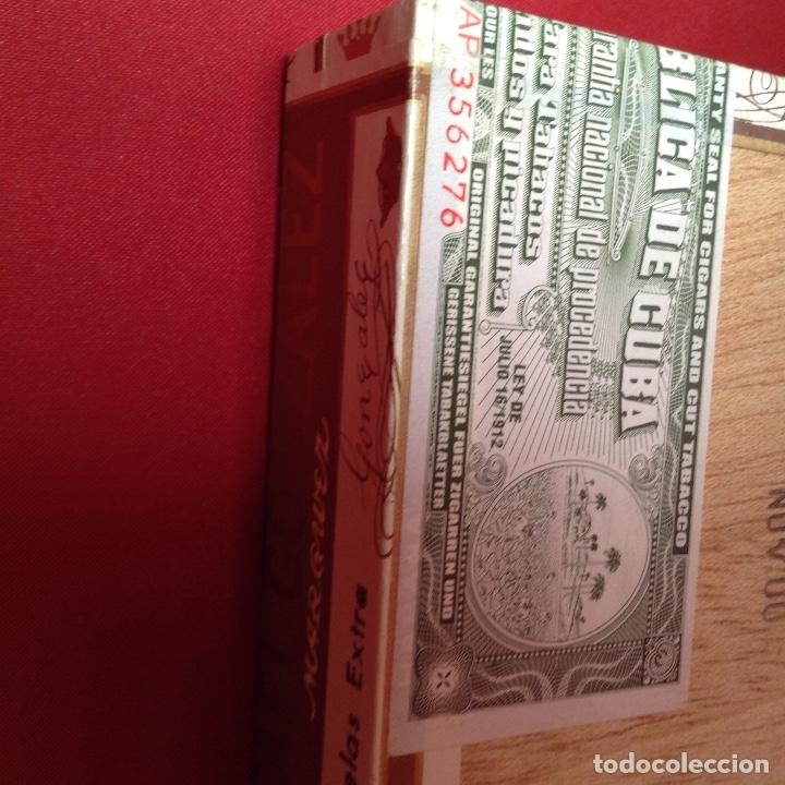 Cajas de Puros: Caja de puros , con 23 puros panetelas extras , año 2000, Rafael González Márquez objeto de colec - Foto 5 - 174012507