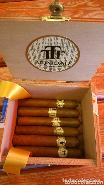 CAJA DE PUROS TRINIDAD, CON 6 PUROS( 24 REYES) (Coleccionismo - Objetos para Fumar - Cajas de Puros)