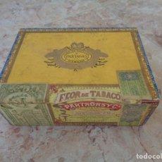 Cajas de Puros: CAJA DE PUROS DE MADERA - PARTAGAS - 25 PETIT CORONAS HABANA - CUBA CON 4 PUROS 2 TROYA ROMEO CANO. Lote 175203617