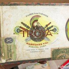 Cajas de Puros: CAJA PUROS VACIA - MARTINEZ Y CIA - HABANA CUBA - TROYA - 25 UNIVERSALES - 20X15X4. Lote 175247627