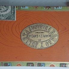 Cajas de Puros: ANTIGUA CAJA DE PUROS HABANOS ROMEO Y JULIETA (CORONITAS EN CEDRO). Lote 176836713