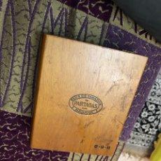 Cajas de Puros: ANTIGUA CAJA PARTAGAS DE PUROS. Lote 177401855