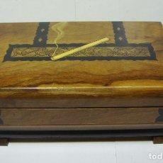 Cajas de Puros: CAJA TABAQUERA DE MADERA. PARA TABACO Y PUROS.. Lote 178024479